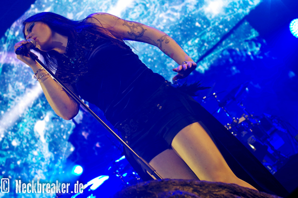 live 20151216 0311 nightwish1